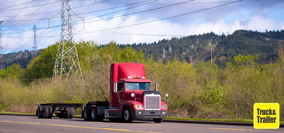 What is a Flatbed Trailer and how do I buy/sell one online? | Truck & Trailer